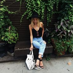 Classic meets boho chic // casual denim + black Strappy cami + heels + hat // bohemian summer street style