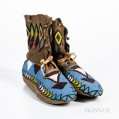 Pair of Northern Plains Beaded Hide Women's Moccasins - Current price: $200 Native American Moccasins, Native American Clothing, Native American Indians, Beaded Moccasins, Baby Moccasins, Finger Weaving, Moccasin Boots, Tribal Art, Cloth Bags