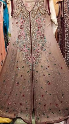 Pakistani Formal Dresses, Pakistani Party Wear, Pakistani Wedding Outfits, Indian Dresses, Zardozi Embroidery, Embroidery On Clothes, Frock Design, Indian Suits, Beautiful Dresses