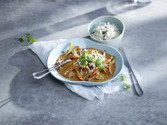Kjempeenkel, rask og supergod peanøttgryte, med møre biffstrimler og frisk paprika. En asiatisk inspirert hverdagsmiddag som garantert faller i smak.