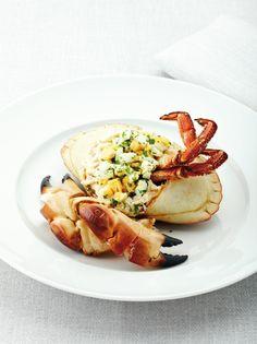 Bereiden: Kook de krab: Maak een court-bouillon met het kruidentuiltje, selder, wortel, ui, peper en zeezout. Laat een 15 min. trekken. Leg de krabben in de kokende bouillon. Laat ca. 8 min. koken, neem de kookpot van het vuur en laat krab samen met de bouillon afkoelen. Vul de krab: