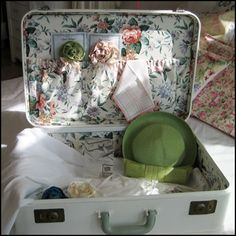 1940's Amelia Earhart Suitcase Restyled $99