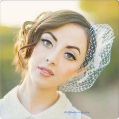 Bride, Rebecca! Vintage bride. Bridal hair. Bridal makeup. Wedding makeup - recomendado por www.bessagemakeup.com