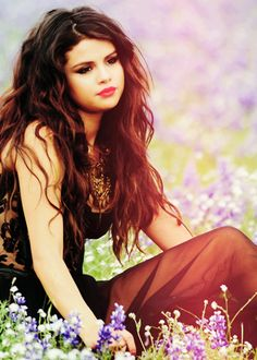 Trendy Hair Style : Selena Gomez ♥ Come and Get It Selena Gomez Fotos, Selena Gomez Style, Cinderella Story, Head Band, Foto Real, Model Foto, Foto Art, Marie Gomez, Grunge Hair