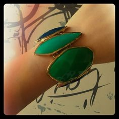 Emerald jeweled tone bracelet Perfect for dressing up your outfit with this beautiful jewel tone lady Francesca's Collections Jewelry Bracelets