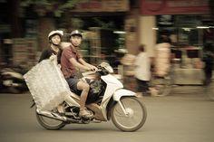 Street Life - Hanoi (Subtitle Asia Overloaded #15)