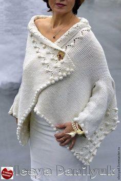 Long Sleeve V-neck Coats Knitting Designs, Knitting Projects, Knitting Patterns, Crochet Patterns, Knitted Poncho, Knitted Shawls, Knit Cardigan, Knitwear Fashion, Sweater Fashion