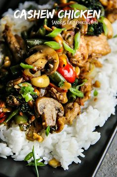 Delicious dinner idea: Cashew Chicken with Steamed Rice and Stir Fry Vegetables.Easy Asian-Chinese recipe any time of the week. Chicken And Cheese Recipes, Meat Recipes, Asian Recipes, Dinner Recipes, Cooking Recipes, Healthy Recipes, Cashew Chicken, Gastronomia, Gourmet