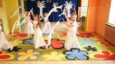 "Taniec ""Śnieżynek"" Orff Activities, Activities For Kids, Music For Kids, Kids Songs, Christmas Dance, Kindergarten Worksheets, Music Lessons, Music Education, Educational Activities"
