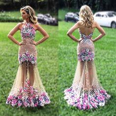 Vestido feito especialmente para o casamento da minha amiga lindaaa e querida @lelesaddi 👰🏼💗 foi maravilhoso!!! #casamentoleleerenato #dress #details #isabellanarchicouture #byisabellanarchi 🌸💙🌸💙