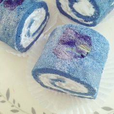 Blue chiffon cake from natural blue colour 💙 A good cup of tea and couple pieces of chiffon roll with lemon cream curd filling would satisfy and make this weekend more relaxing 😋 Butterfly Pea Flower Tea, Blue Butterfly, Edible Food, Edible Art, Natural Food Coloring, Pea Recipes, Blue Food, Different Cakes, Flower Food
