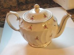 WINDSOR Roses  Teapot Large Tea Pot Excellent by RareEarthProducts
