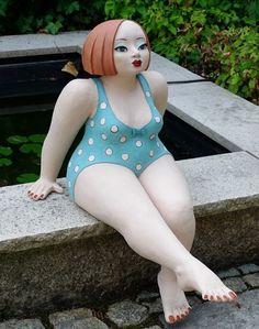 Ceramic sculpture for gardens by Margit Hohenberger