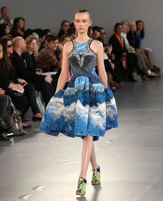 How clever are Peter Pilotto (yes it is plural, they're two designers called Peter Pilotto and Christopher de Vos)?!!!   This spring/summer collection was sexy and elegant...<3