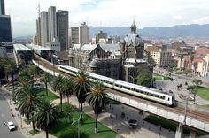 Medellín es una de las ciudades más agradables y con gente más bella de América. Esta en todo el centro de Colombia y su clima es perfecto, primavera eterna.