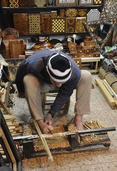 Woodworker . Marrakech  - Maroc Désert Expérience http://www.marocdesertexperience.com