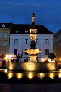 One of those places that are worth of walking around in the night - Roland Fountain #Bratislava - Main square