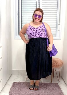 Como usar saia plissada plus size | Dicas e truques - JUROMANO.COM Looks Plus Size, Vintage, Fashion, Printed Shoes, Short Legs, Long Eyelashes, Main Colors, Style, Moda