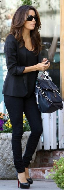 Who made Eva Longoria's black pumps, blue handbag and sunglasses that she wore on November 9, 2011?