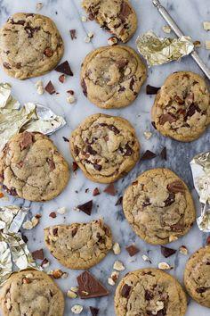 Browned Butter Hazelnut Chocolate Chunk Cookies || SugarSpunRun