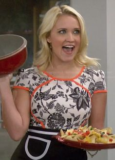 Want that dress! Cant gind it!Gabi's black and white floral dress with orange trim on Young and Hungry.  Outfit Details: http://wornontv.net/35705/ #YoungandHungry