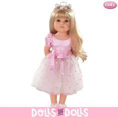 Hannah forma parte de la familia de #muñecas Götz. Muñecas numeradas de ediciones limitadas y acompañadas con certificado de autenticidad. Las muñecas Götz promueven las habilidades cognitivas, motoras, creativas y el comportamiento social de los más pequeños. Cada #muñeca va acompañado de un DVD con cinco estilos de peinados diferentes que te encantarán practicar en tu #muñeca.  ¡Diviértete con Hannah! #Dolls #Götz #Bonecas #Poupées #Bambole