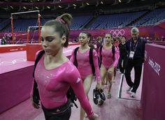 American Gymnastics, Elite Gymnastics, 2012 Summer Olympics, Usa Girls, Female Gymnast, Olympic Team, American Women, Other People, Cool Photos