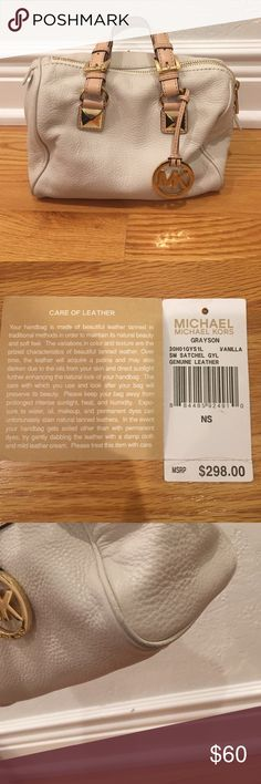 Michael Kors grayson satchel in vanilla leather Michael Kors Grayson satchel in vanilla leather. Original tag, has a little wear on the edges but could easily be cleaned. MICHAEL Michael Kors Bags Satchels