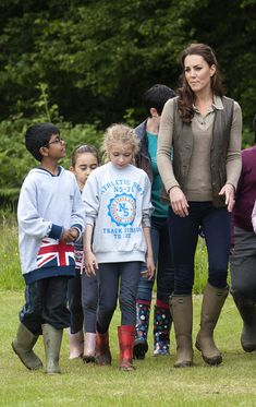 Kate Middleton Photo - The Duchess of Cambridge Visits 'Expanding Horizons' Primary School Outdoor Camp