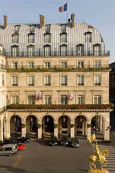 Hotel Regina, Paris ~ We saw the filming of a WW II movie here, with Nazi flags displayed - freaked us out...