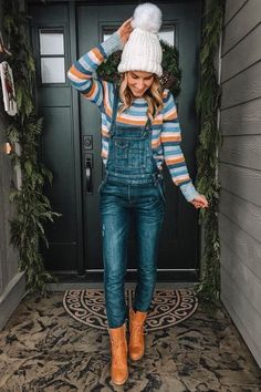 Check out these 35 outfits to keep you warm and stylish this winter! Check out these 35 outfits to keep you warm and stylish this winter! Winter Outfit For Teen Girls, Cute Winter Outfits, Trendy Outfits, Fall Outfits, Cute Outfits, Fashion Outfits, Dungarees Outfits, Overalls Women, Overalls Style