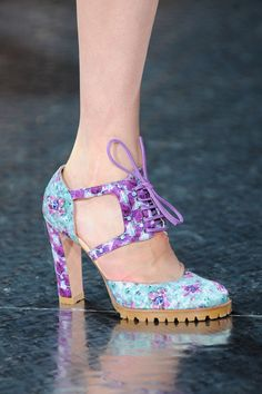 The 112 Best Shoes You Need to See From the London Spring 2014 Runways: Rupert Sanderson for Antonio Berardi Spring 2014: L'Wren Scott Spring 2014 : L'Wren Scott Spring 2014 : Rupert Sanderson for Antonio Berardi Spring 2014 : Burberry Prorsum Spring 2014 : Ostwald Helgason Spring 2014 : Ostwald Helgason Spring 2014 : Christopher Kane Spring 2014 : Christopher Kane Spring 2014 : Christopher Kane Spring 2014 : Mary Katrantzou Spring 2014 : Mary Katrantzou Spring 2014
