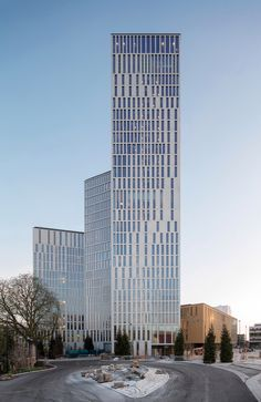 Saturday, 2 May 2015 marks the opening of Malmö Live, the new cultural centre in Malmö, Sweden. In 2010, schmidt hammer lassen architects in a team with Skanska, Nordic Choice Hotels Akustikon and SLA won a competition to design the 54,000m2 concert, congress and hotel complex. The masterplan also includes 27,000m2 for housing and commercial use.