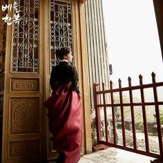 한복드레스의 지적인 아름다움. #비 #rain #black #hanbok #modern #dress #traditional