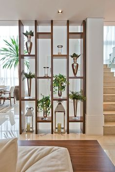 Living Room Partition Design, Living Room Divider, Room Partition Designs, Living Room Decor, Home Living Room, Partition Ideas, Room Divider Shelves, Wood Partition, Wall Dividers