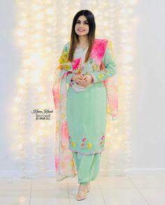 Punjabi Suits Designer Boutique, Boutique Suits, Simple Embroidery Designs, Embroidery Suits Design, Punjabi Salwar Suits, Punjabi Dress, Stylish Dress Designs, Stylish Dresses, Designer Wear