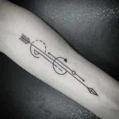 44 Great Geometric Arrow Tattoo Images Geometry Tattoo Bow Arrow