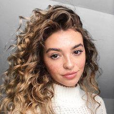 Hair Colour – My hair and beauty Kelsey Simone, Permed Hairstyles, Trendy Hairstyles, Hair Inspo, Hair Inspiration, Curly Hair Styles, Natural Hair Styles, Look 2017, Dream Hair