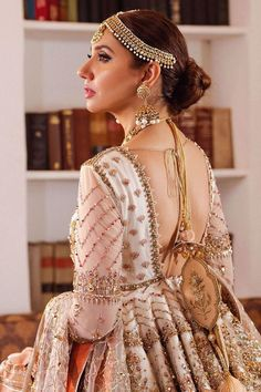 Pakistani Gharara, Pakistani Wedding Dresses, Pakistani Actress, Sharara, Pakistani Outfits, Anarkali, Salwar Kameez, Velvet Lehnga, Desi Wedding Dresses