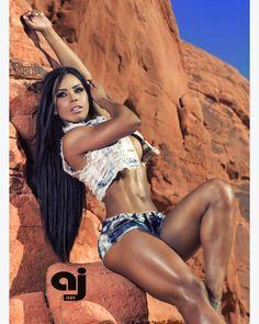 Female Form  #StrongIsBeautiful  #Motivation  #WomenLift2 Yarishna Ayala