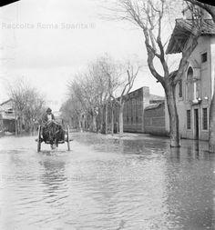 Via Ostiense allagata dall'alluvione, in primo piano a destra la Cappella del SS. Crocifisso. Anno: 1892