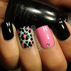 Leopard Print. Used Bubblegum Pink & Mint Sorbet by Sally Hansen and Liquid Leather by China Glaze.