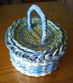 Garden Hose, Basket Weaving, Diy, Weave, Baskets, Paper, Paper Basket, Wings, Recycled Materials