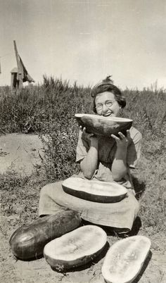 Ode to the Watermelon – 33 Vintage Snapshots of People Looking Funny Eating the Fabulous Fruit