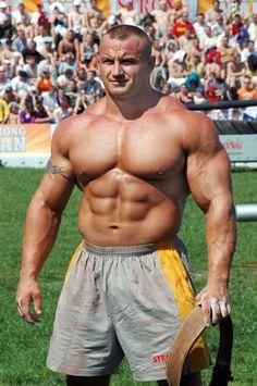 Mariusz Pudzianowski!!!! Beast mode!