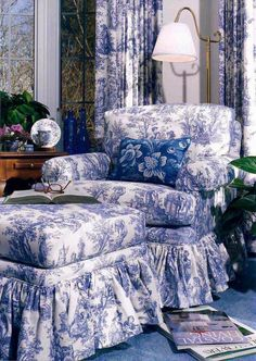Randolph Trainor-Hydrangea Hill Cottage-Blue and White Delight Toile French Country Bedrooms, French Country Decorating, French Decor, Blue Rooms, White Rooms, Cozy Reading Rooms, Residential Interior Design, Home And Deco, White Decor