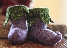 Elvish (Quenderin) is a word that refers to any of the languages of the Elves. Here I use the name to describe these baby booties for their Elvish quality, suitable for Elvish and Human babies alike.