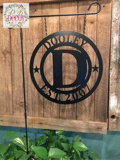 PK Decor offers a large variety of door hangers and acm metal monogram decor. We make decorating your front door or gift giving easy with lots of home decor! Painting For Kids, Painting On Wood, Flag Signs, Texas Star, Flag Decor, Custom Metal, Paint Party, Garden Flags, Great Gifts
