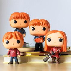 The Weasleys . Best Family ever Photo Harry Potter, Images Harry Potter, Theme Harry Potter, Harry Potter Bedroom, Harry Potter Tumblr, Harry Potter Anime, Harry Potter Aesthetic, Harry Potter Pop Figures, Harry Potter Characters