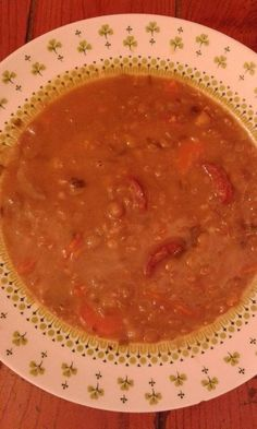 This woman stands / Pig - pig KonyhaMalacka Facilities: lentil soup with sausage